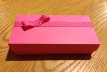 Made by Amanda / Gift box with bow