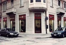 Piaggio / Custom-tailored furniture for Showroom in Turin