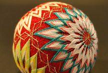 Темари / Тэмари (яп. 手まり、手毬、手鞠) - «ручной мяч» японская национальная техника вышивания на шарах
