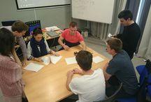 Visitas Usac / Los alumnos americanos de Usac se han acercado para informarse