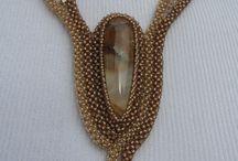 biżutki - naszyjniki cubic raw