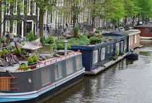 Houseboats to sail away in
