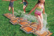 Kids im Garten / Alles, was im Garten Spaß macht! So wird der Garten der coolste Ort für Kinder!