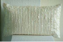 Lumbar Pillows/Cushions