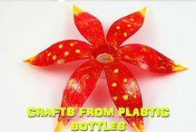 flores en botella plástica