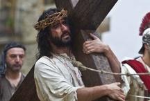 Balmaseda Semana Santa / Pasión, tradición y sentimiento se dan cita cada año en el Vía Crucis Viviente de Balmaseda. Un acontecimiento ineludible que ha traspasado fronteras, y se ha convertido en todo un referente en la agenda cultural de Semana Santa.