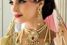Hinduski...