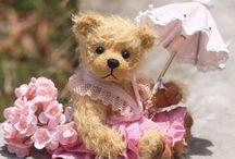 Lovable, cuddly bears / Handmade with love