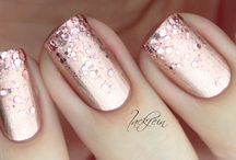 Nail polish / Rose gold