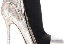 Shoes / by Elizabeth Flores