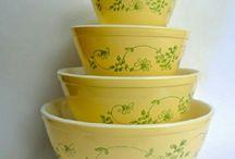 Vintage Pyrex nesting bowls / by Kara Christensen