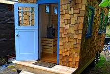 Space Saving Ideas for Tiny Home Offices / Space saving products, DIY and other ideas for tiny home offices.