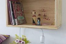 Como fazer nichos de madeira / Confira dicas e um passo a passo incrível de como fazer nichos de papelão. Você vai entender tudo sobre como fazer nichos de mdf e também muitas inspirações de como fazer nichos de madeira. Aproveite essas ideias e coloque o seu lado DIY em prática! #comofazernichos #nichosdepapelao #nichosdemdf #nichosdemadeira #diy #facavocemesmo