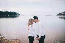Prebodas originales / Como fotógrafos de bodas naturales también nos encantan las prebodas. Nos encantan las fotos de preboda en el campo, las fotos de preboda en el extranjero, prebodas divertidas y prebodas en la playa. Aquí os dejamos algunos ejemplos.