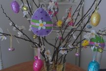 Seasonal Decorating Ideas / Ideas for seasonal home displays such as Christmas, Easter and Halloween