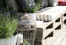 Sur le balcon / by Sylviane Mathey