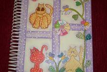 cadernos pintados a mão