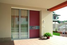 Red doors / Front doors with a red facade by Oikos Venezia. http://www.oikos.it/