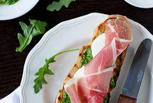 Tartines/ Crostini's/ Sandwiches / Tartines/ Crostini's/ Sandwiches