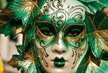 Porcelánové karnevalové masky (Carnival Masks)