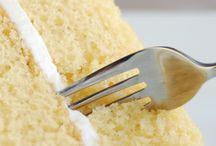 EGGLESS CAKES & BAKES