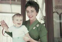 Elizabeth Taylor / Elizabeth Taylor photographed by Milton H Greene