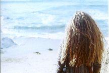 I sat by the ocean / Dreams of seas and shores.