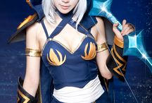 League cosplays