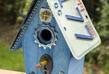 birdhouses / by Holly Thrush