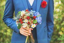 Mariage en bleu / Il faut selon la tradition quelque chose de bleu dans un mariage. Du gâteau à la cravate du marié, un petit fil discret dans la couture de la robe de la mariée, un bouquet de pivoines... vous ne serez pas en manque d'inspiration pour ajouter cette petite note de bleu dans votre joli jour !