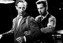 The Petrified Forest (1936) / A gallery of production stills from The Petrified Forest (1936). This is Humphrey Bogart's breakout role, and also stars Leslie Howard and Better Davis.