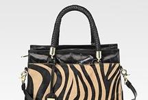 Gorgeous Bags / by Cateryn Añez de Garcia
