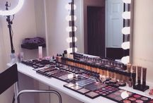 Vanity Mirrors and Dressing Rooms
