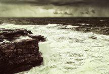 Inspirations océan, mer, voile / La mer inspire aussi la marque Timberland en cette saison printemps-été. Nos modèles de vêtements et de chaussures sont fabriqués pour vous accompagner dans toutes les conditions et maîtriser tous les éléments. Chez Timberland Nantes, notre rapport à la mer est aussi fort que nous sommes proches des côtes et voici ce que nous inspirent l'océan et les bateaux.