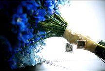 Ramo de novia // wedding bouquet / Los ramos de novia son importantes en una boda, pero no sólo se realizan con flores, cada vez más a menudo se escogen elementos y materiales diferentes a los naturales.   En Ángel Alarcón te presentamos modelos tradicionales pero también los más modernos ramos de novia que, si te atreves, puedes combinar con zapatos de color en tu boda.   ¿Qué te parece?
