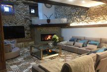 Hogares / Sofás en la decoración del hogar. Salones con sofás y sillones de la marca Fama.