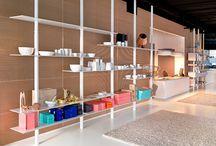 Reoler fra House CPH / Hold styr på dine ting med rene linjer og giv rummet lidt liv.
