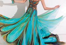 božské šaty