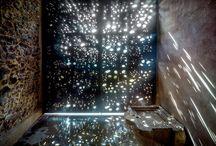 chiaroscuro / light/shadow comparison define architecture