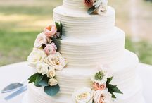Wedding Cakes / Wedding cakes - what else? Buy the perfect wedding gift at Mapiful.com