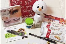 Influenster Jingle VoxBox / Influenster Jingle VoxBox Review: Kiss Lashes, Cetaphil, Pure Ice, Itty Bittys, NYC City Proof Eyeliner, Biscoff Cookies and Ore-Ia Tater Tots!