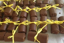 Swiss cake roll diplomas / Freeze Swiss cake rolls and tie a soft ribbon around them