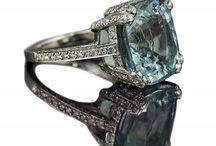 Fashion: Jewelry / by Linzee R