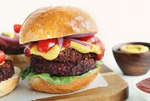 Veggie burgers / Black bean beet burgers