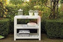 Oppot tafels / side tables / Leuke decoratie en handig voor in de tuin