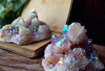 Камни и минералы.
