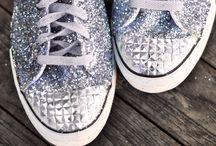 Flat-soled shoes