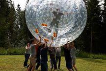 Junggesellenabschied mit Bubble Soccer und Original Zorbs / Zorbing und Bubble Soccer-Ideen für  Junggesellenabschiede