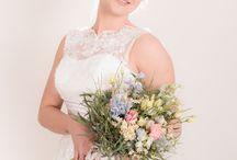 One bride three styles / Hoe je met je make-up en met je bloemen op je trouwdag jouw stijl kan bepalen, natuurlijk ook met je jurk, maar de details zijn ook erg belangrijk. Make-up en haar: Marvellous & Bloemen: 't Bloemenschuurtje. Fotografie: Anneke Fotografie