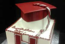Graduation Cakes / Custom designed cakes for graduation